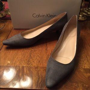 Calvin Kline Gray Suede Kitten Heel Pumps Size 8.5